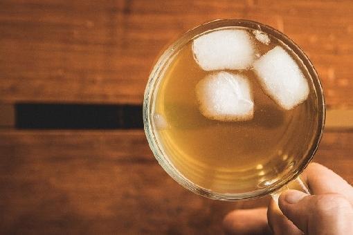 7 receitas de chá gelado para dias de calor