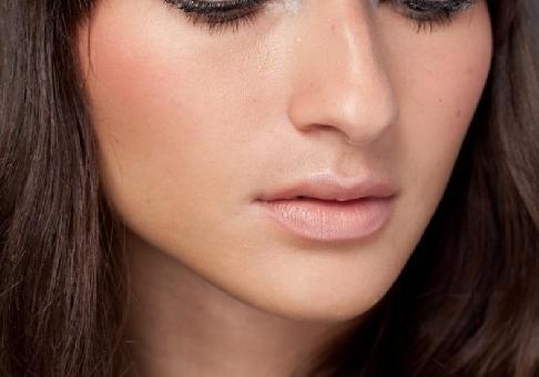 Maquiagem simples e discreta: dicas, passo a passo