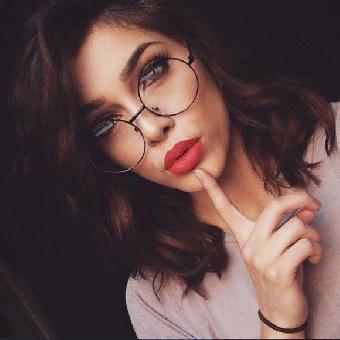 ideias-para-combinar-oculos-e-maquiagem-1