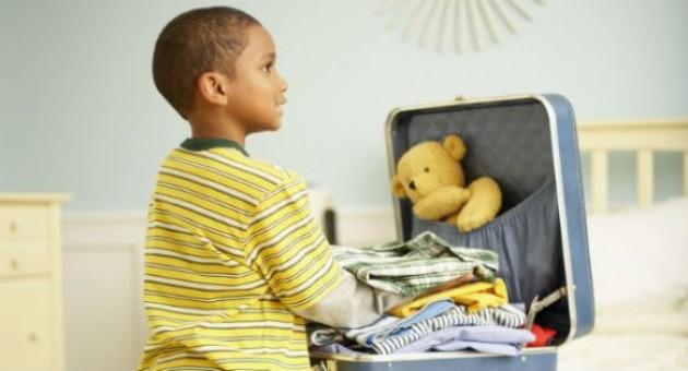 Aprenda a arrumar uma mala infantil