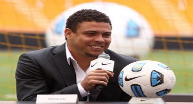 """Para Ronaldo, Timão será campeão e gol de Adriano foi """"tira-gosto"""""""