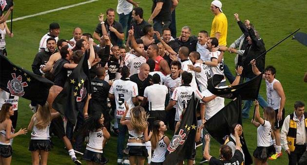 Cinco vezes Corinthians: Timão é pentacampeão brasileiro