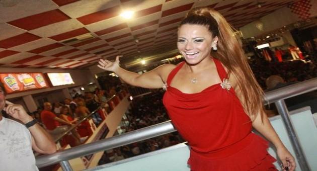 Empregado de Gracyanne Barbosa presta queixa contra Viviane ...