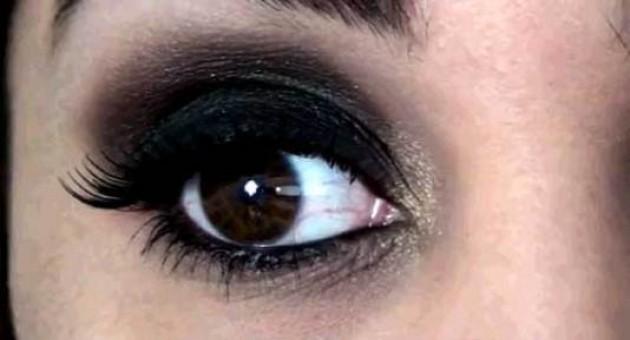 Maquiagem para destacar olhos escuros