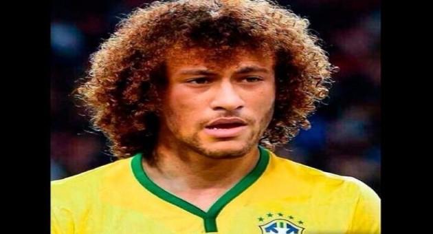 Neymar experimenta cabeleira de David Luiz