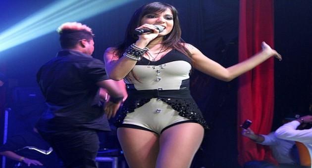 Anitta sonha em ser rainha de bateria