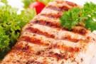Comer somente salada pode não emagrecer
