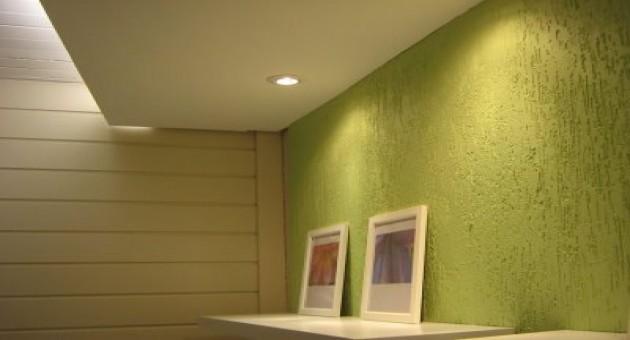 Decora o com parede texturizada for Pintura texturada para exterior