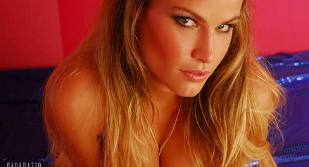 VIDEO: Natália Casassola [BBB8] – Paparazzo Completo HD – 2008